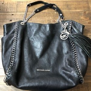 05366ae181a0 Women Michael Kors Chelsea Shoulder Bag on Poshmark